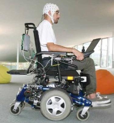 BCI per il controllo di una sedia a rotelle alimentata
