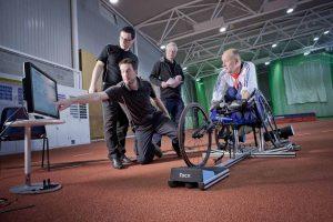 Ingegneri per lo sport con atleta paraplegico